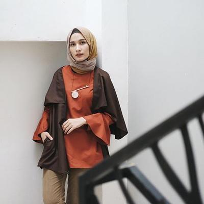 Hijabers Begini Cara Memadukan Warna Hijab Dan Pakaian Supaya