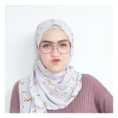 Model hijab yang bagus untuk orang gendut ke kondangan apa ya?