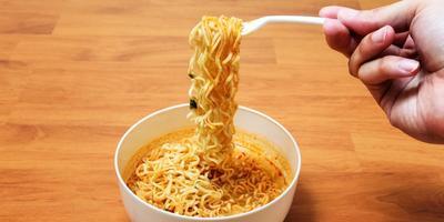 Enggak Nyangka! 6 Makanan Asli Indonesia Ini Ternyata Disukai Artis Korea!