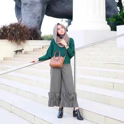 Padu Padan Outfit dengan Warna Hijab Hijau Ini Bikin Penampilan Kamu Jadi Fresh Banget Lho