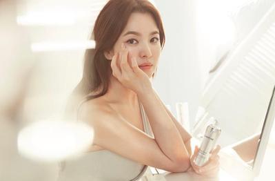 Tanpa Melibatkan Make Up, Inilah 4 Rahasia Kecantikan Song Hye Kyo!