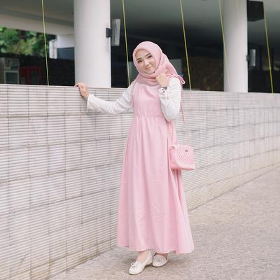 Tidak Semuanya Cocok, Ternyata Ini Paduan Fashion Hijab yang Pas untuk Tubuh Tinggi!