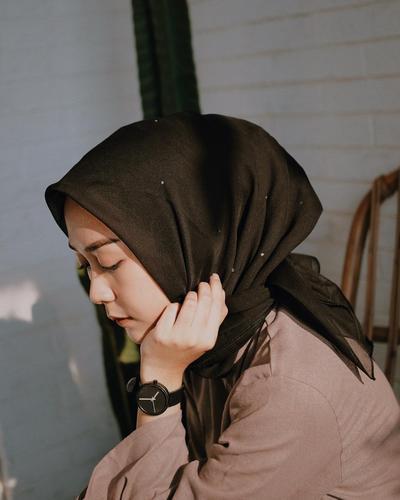 model hijab untuk remaja yang simpel tapi catchy gimana ya?