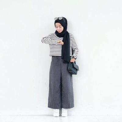 Biar Terlihat Jenjang, Ini Tips Padu Padan Celana Kulot Untuk Hijabers Bertubuh Gemuk