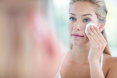 Bukan Cuma Sehat, Manfaat Cuka Apel untuk Kecantikan Ini Bikin Kamu Langsung Ingin Coba!