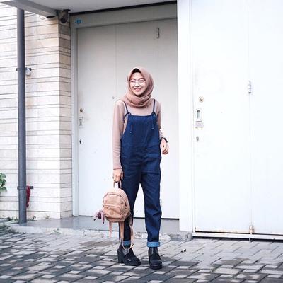 Makin Keren Dan Kece Ini Dia Padu Padan Overall Hijab Yang Kekinian