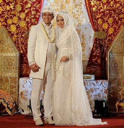 So Inspiring Gaun Pengantin Muslimah Para Artis Ini Banyak Jadi