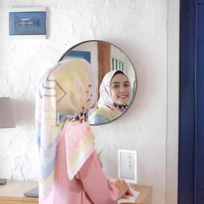 Tampil Soft dan Feminim, 5 Hijab Pattern Warna Pastel ala Selebgram Ini Bisa Jadi Inspirasi!