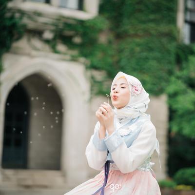Lucu Banget! Ini Dia Style Hijab Natasha Rizky Saat ke Korea!