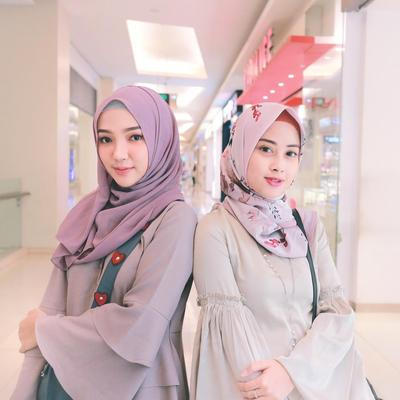 Psst! Ternyata Ini Bayaran Endorse 5 Selebgram Hijab Cantik Instagram! Penasaran?