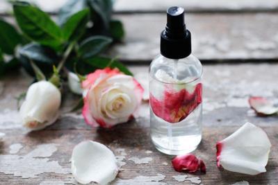 Face Mist Air Mawar, Cara Praktis dan Murah untuk Dapatkan Kulit Sehat dan Cerah Berseri