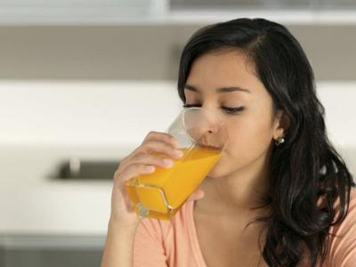 Ladies, Masihkah Kamu Percaya dengan 4 Mitos Tentang Makanan Sehat Ini?