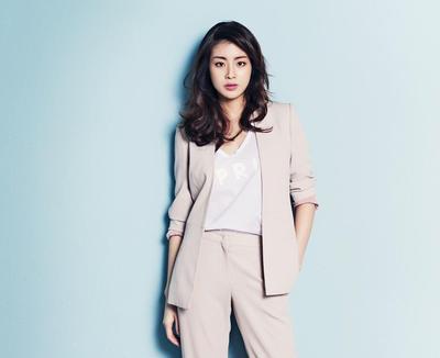 Menjadi Kiblat Fashion Kekinian, Inspirasi Baju Kerja Ala Korea Ini Kece Plus Stylish Banget