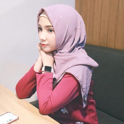 Tips Gaya Foto Candid dengan Hijab yang Bagus Supaya Bisa Terkenal di Instagram