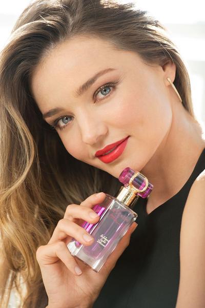 Parfum yang kalian gunakan sehari-hari apa sih temen-temen?
