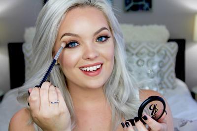 Psst, Ini Eye Make Up Hacks yang Belum Banyak Diketahui Para Wanita! Yuk, Coba!