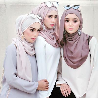 Berani Coba Yuk Tampil Stylish Dengan Padu Padan Hijab Warna Nude