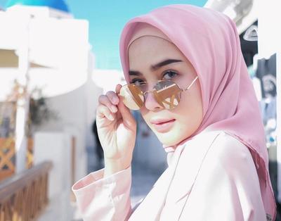 Hijabers, Ini Dia Warna Hijab yang Siap Bikin Wajahmu Cerah Seketika! Kamu Wajib Punya!