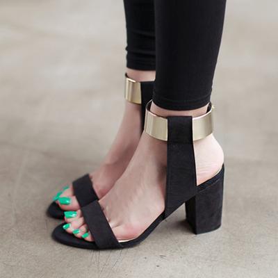 Dari Flat Shoes Hingga Heels, Ternyata Ini Deretan Sepatu Paling Eksis di Tahun 2017 Ini