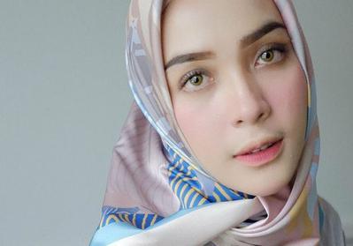 Kalau Mau Ombre Warna Lipstik yang Dibutuhin Tuh Apa Aja Sih?