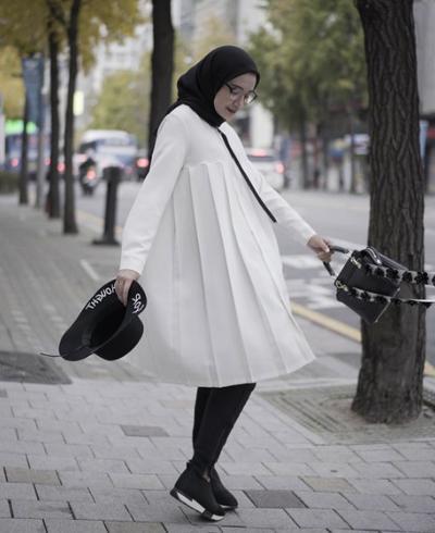 Yuk Intip Tips Padu Padan Atasan Putih Untuk Hijabers Agar Tak