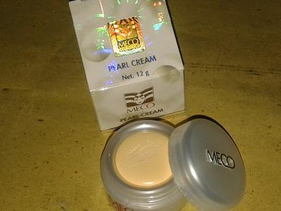 Dear, Masih ada yang pakai Meco Pearl Cream? Aman kah?