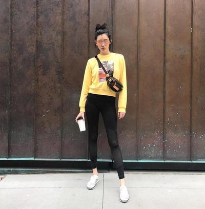 Begini Gaya Kasual Sehari-hari Ming Xi, Model Victoria's Secret yang Sedang Jadi Perbincangan!