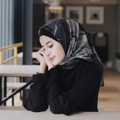 Hijab Voal Lagi Laris Dimana-mana, Ternyata Ini Hal yang Membedakan dari yang Lainnya
