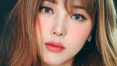 Ini Caranya Membuat Makeupmu Terlihat Flawless dan Sempurna di Foto Tanpa Terlihat Menor