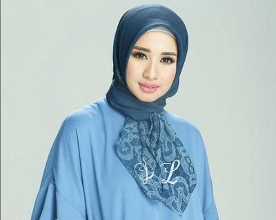 Tips 5: Ikat Kedua Sisi Jilbab