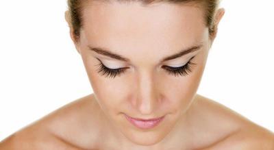 8 Hal Ini Harus Kamu Ikuti Jika Ingin Eyelash Extension Tahan Lama