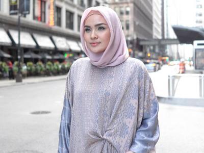 Intip Cara Siasati Pipi Tembam dengan Gaya Hijab Segiempat!