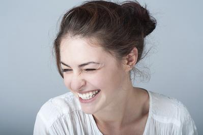 Warna Lipstik Ini Akan Membuat Gigi Terlihat Putih, Penasaran?