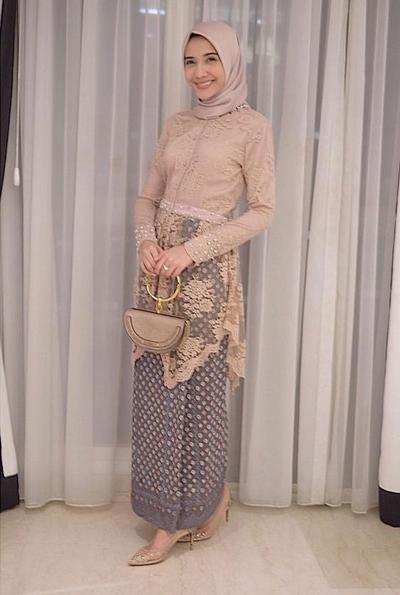 Model Kebaya Hijab Untuk Tubuh Kurus Ini Enggak Akan Bikin Ilusi