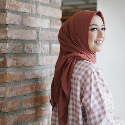 Wajib Punya! Ini Dia Warna-Warna Hijab yang Mudah Dipadukan