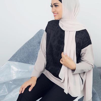 Flawless Tanpa Menor, Inspirasi Make Up Simple Ayudia Bing Slamet Bisa Jadi Pilihan Hijabers