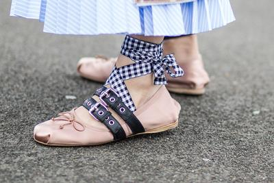 Mau Sepatu Bagus dengan Harga Super Murah di Jakarta  Di Sini Tempat  Surganya Belanja! 0f567cb59a