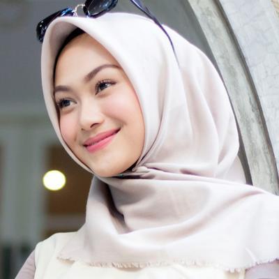 Warna Hijab Apa Saja Sih yang Wajib Dimiliki?