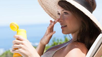 Jangan Keliru ya Ladies, Sunblock dan Sunscreen itu Ternyata Beda Lho!