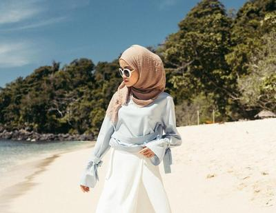Fashion Hijab Ke Pantai