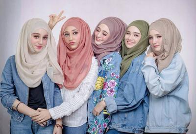 Ini Loh Padu Padan Hijab yang Bisa Bikin Kamu Kelihatan Lebih Segar!