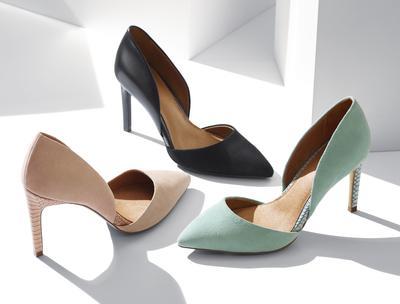 Enggak Perlu Bingung Lagi, Ini 4 Rekomendasi Toko Sepatu Online Untuk Kamu Si Pemilik Kaki Besar!