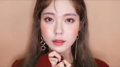 Intip Tutorial Eyeliner Untuk Dapatkan Mata Imut Ala Cewek Korea!