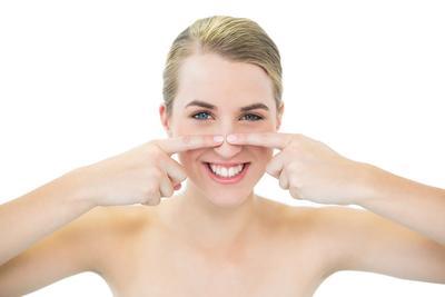 Cara Jitu Mengeluarkan Komedo Tanpa Harus Facial Ke Salon, Coba Sendiri Yuk!