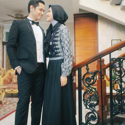 Mau Pakai Baju Couple dengan Pasangan Saat Pergi Kondangan? Simak Inspirasi Berikut Ini!