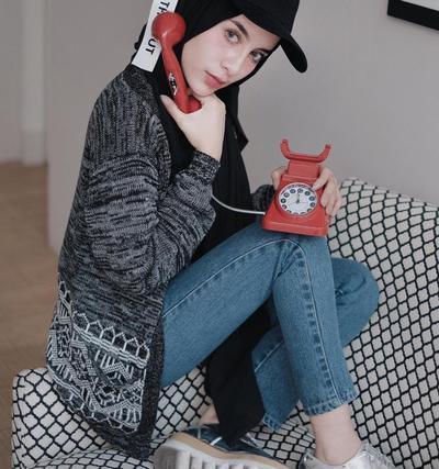 Mau Hits dengan Snapback Seperti Selebgram Ini? Tips Hijab Style Ini Bisa Banget Kamu Tiru!