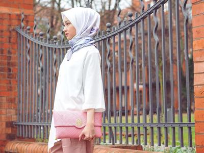 Tidak Selalu Harus Menggunakan Rok, Intip Beberapa Inspirasi Outfit Hijab Seru untuk ke Kondangan!