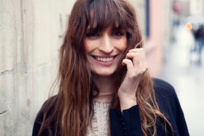 Yuk Tampil Effortless dengan Rambut Wavy ala Perempuan Perancis, Kamu Bisa Bikin Sendiri Lho!