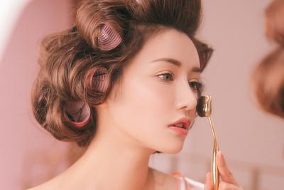 Ladies! Atasi Lingkaran Hitam karena Begadang dengan Trik Makeup Berikut Ini!