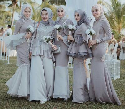 Style Kondangan dengan Dress Hijab Berikut, Siap Membuat Kamu Terlihat Anggun dan Cantik!